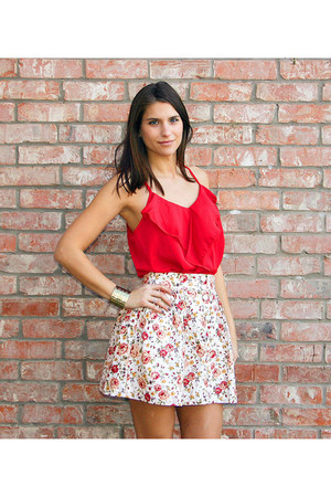 white floral skirt - red ruffle tank milky way top - tribal cuff bracelet