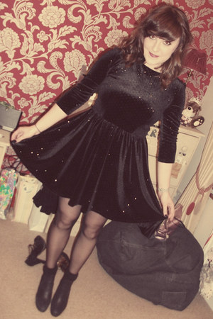 Topshop dress - Topshop boots - thrifted bag - Primark socks