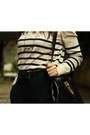 Black-vintage-bag-black-gusto-belt-eggshell-h-m-jumper-dark-khaki-atlas-pa