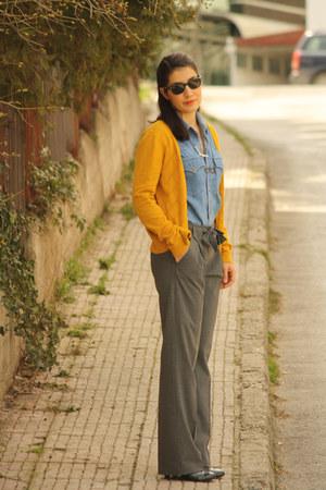 vintage Levis shirt - H&M cardigan - Seven Hill pants