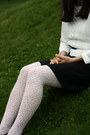 Black-hotic-shoes-off-white-topshop-sweater-white-with-flowers-h-m-tights-