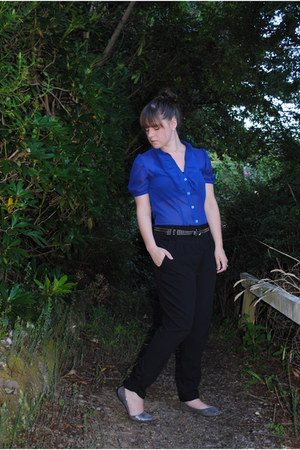 blue ruffled vintage blouse - black high waisted warehouse pants - silver shiny