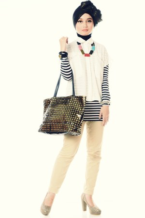 black mumu scarf - black and white shirt - farrel bag - white t-shirt