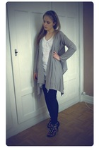 Zara jacket - Vero Moda t-shirt - Vero Moda leggings - Primark shoes