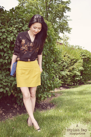 vintage top - yellow skirt