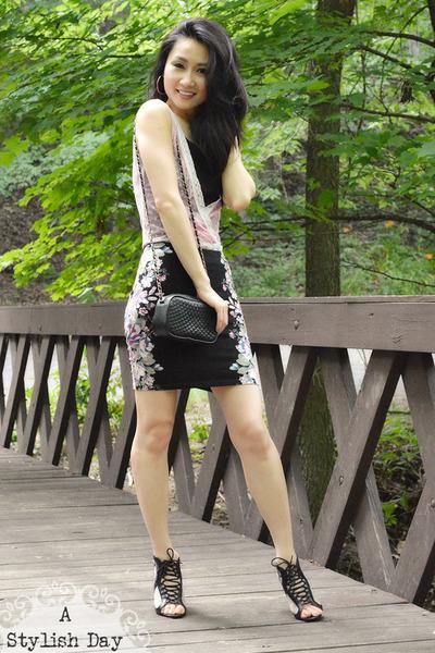 mini skirt - lace top