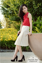 Pleated skirt - red halter top