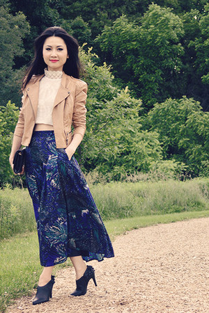 beaded lace top - peacock print skirt