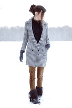 black and white Choies coat - black emu romwe boots
