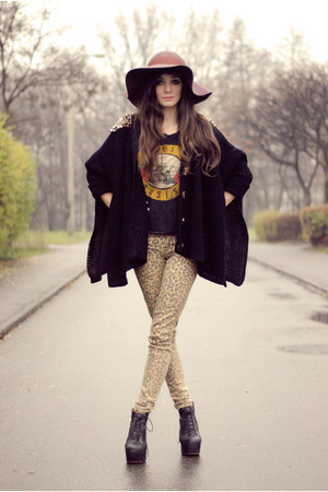 brown hippie lulus hat - mustard leopard H&M pants - black rocker romwe jumper