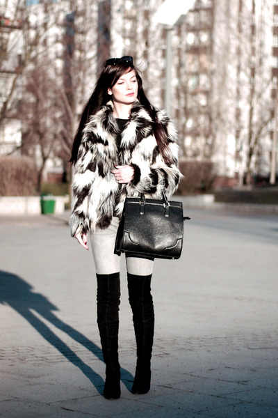 Black-over-the-knee-zara-boots-white-fur-h-m-coat