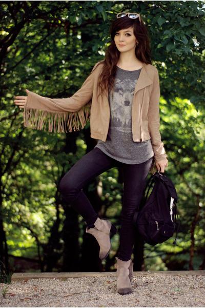 tan fringe Bershka jacket - gray wolf pull&bear t-shirt