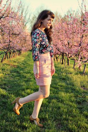 blue modcloth top - pink modcloth skirt - dark khaki modcloth heels