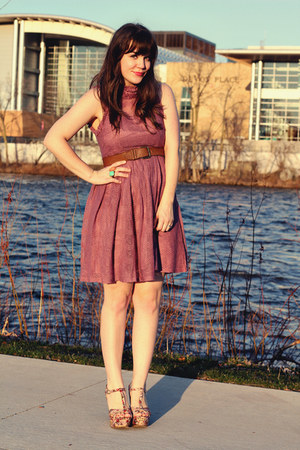 pink gifted wedges - pink Ruche dress - brown Forever 21 belt