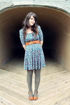tawny Urban Outfitters heels - blue Chloe Loves Charlie dress