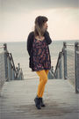 Yellow-we-love-colors-tights-gray-forever-21-boots-gray-urban-outfitters-dre
