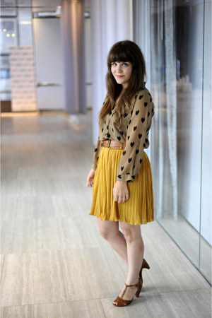 mustard modcloth skirt - tawny Urban Outfitters heels - light brown modcloth top