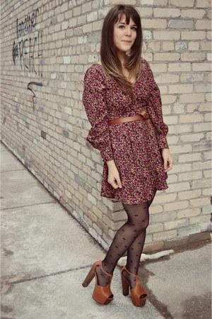 tawny Jessica Simpson heels - brick red LuLus dress