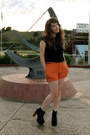 Carrot-orange-forever-21-shorts-black-vintage-top