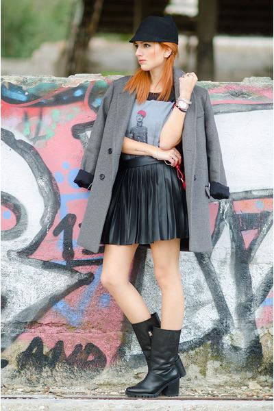 Vateno skirt - Zara boots - ISABEL MARANT POUR H&M coat - Hip and Bone t-shirt