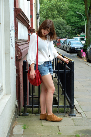 H&M blouse - Zara bag - Levis shorts