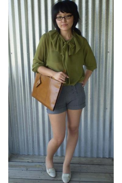 blouse - accessories