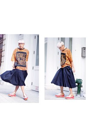 SUZANNE RAE skirt - IMAGO-A bag - Raf Simons sneakers - AJL MADHOUSE t-shirt