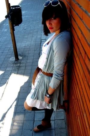 Zara jacket - belt - pull&bear t-shirt - pull&bear skirt - BLANCO shoes