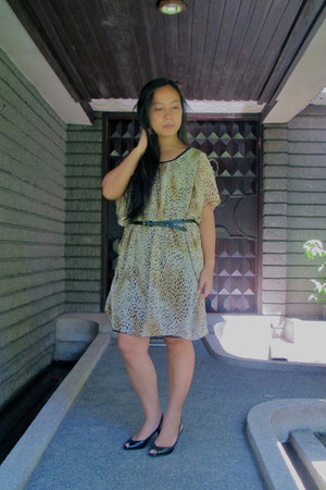 light brown vintage leopard print dress - black cotton on belt
