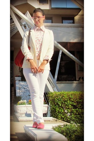white jeans - white H&M blazer - eggshell c&a shirt - ruby red bag