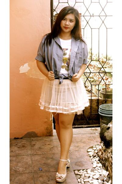 off white skirt - light blue blouse - ivory t-shirt - eggshell wedges