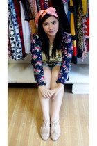 nude shoes - navy blazer - yellow top - peach accessories