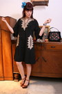 Brown-platforms-dune-shoes-black-kaftan-aurora-vintage-dress