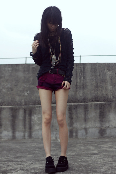 Bershka shorts - TUK flats - H&M belt - Mango necklace