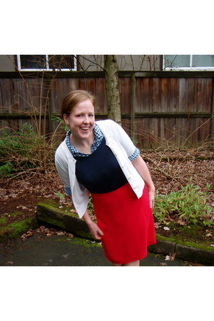 red skirt - blue shirt - white cardigan