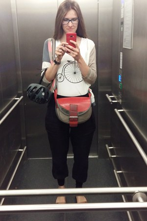 white DIY shirt - red Słoń Torbalski bag - bubble gum Cream cardigan