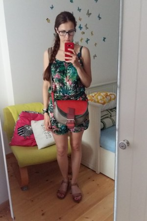 teal Bona parte suit - red Słoń Torbalski bag - brown Lasocki sandals