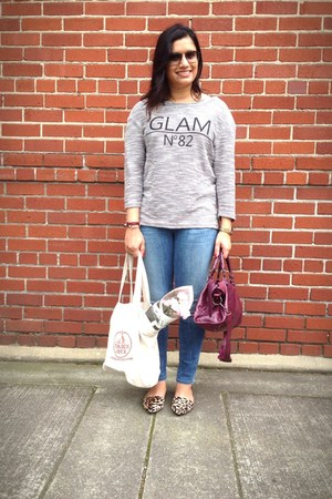 heather gray Kut from the Cloth top - light blue citizens of humanity jeans