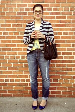 blue dylan george jeans - gray Gap blazer - light yellow Junk Food t-shirt