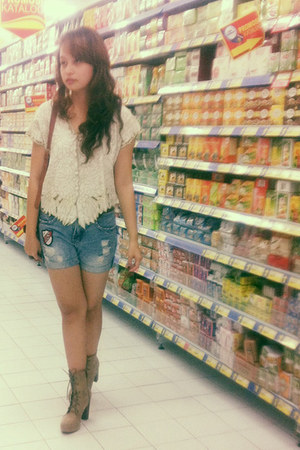 H&M boots - embroidered rip curl shirt - rebel jeans DIY shorts