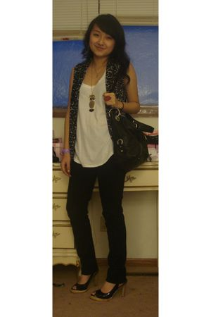 black Forever 21 jeans - black B Makowsky purse - white american eagle outfitter