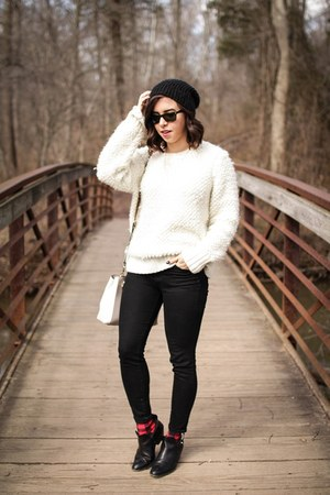 ivory wool banana republic sweater - black booties rag & bone boots