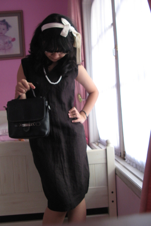 accessories - necklace - My Mothers dress - Esprit purse