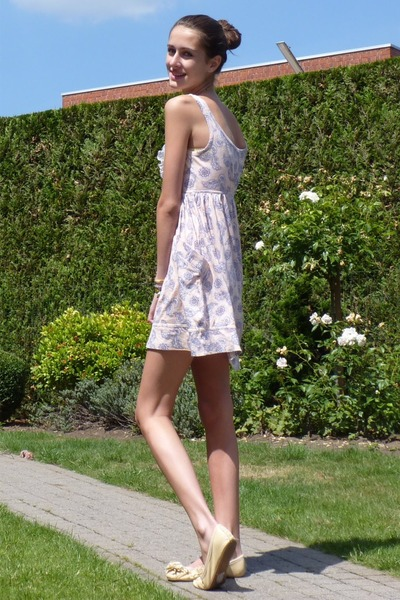 pink River Island dress - beige Topshop shoes