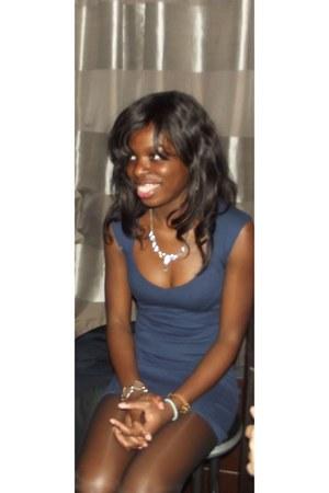 Bershka dress - African bag - Zara heels - SIX bracelet - SIX necklace