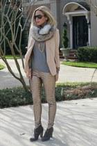 faux fur asos scarf - pendant JAMI necklace
