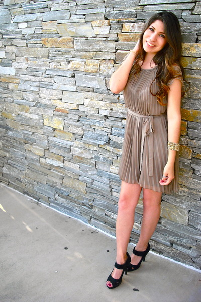 black suede heels - tan pleated dress