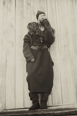 brown maxi dress babette versus dress - wool bearpaw boots
