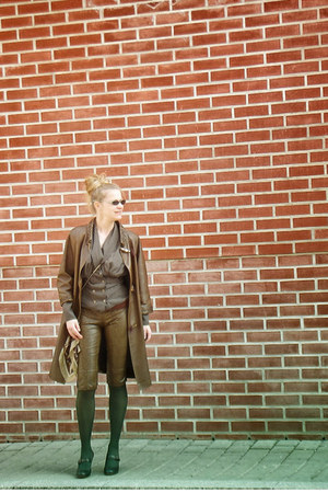 camel leather vintage coat - brown babette versus shorts
