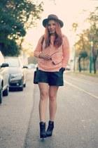 romwe sweater - romwe boots - Pimkie hat - Choies bag - Ray Ban sunglasses